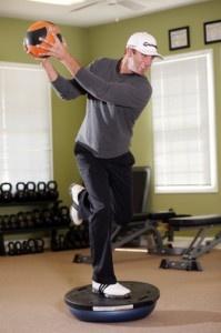 1 leg medecine ball rotations