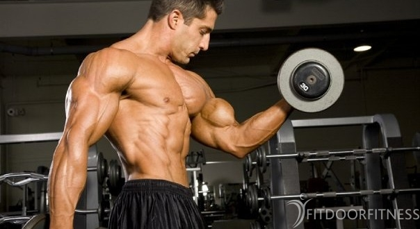 Beste biceps oefeningen voor kracht en spiermassa